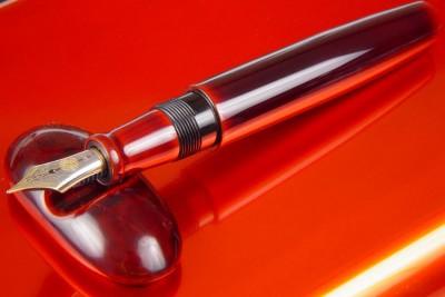 Ручка Nakaya piccolo на одноместной подставке