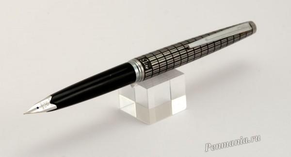 Перьевая ручка Pilot Elite II pocket c рифленым колпачком